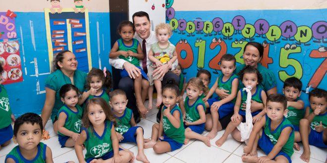 Presidente Ney Amorim visita creche