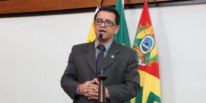 Deputado Luiz Gonzaga denuncia que transferência de criança não foi realizada por falta de combustível para ambulância