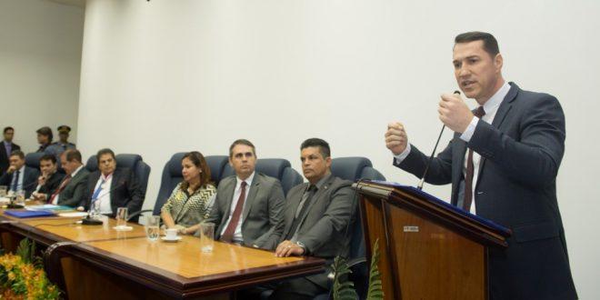 Presidente Ney Amorim é homenageado pelo TCE