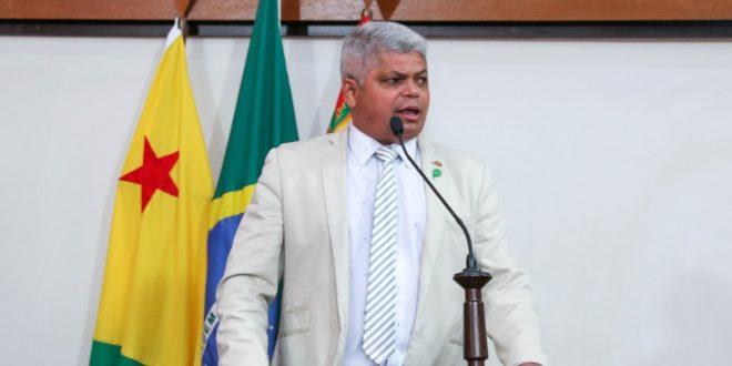 Deputado Raimundinho da Saúde destaca chegada de materiais para próteses ortopédicas