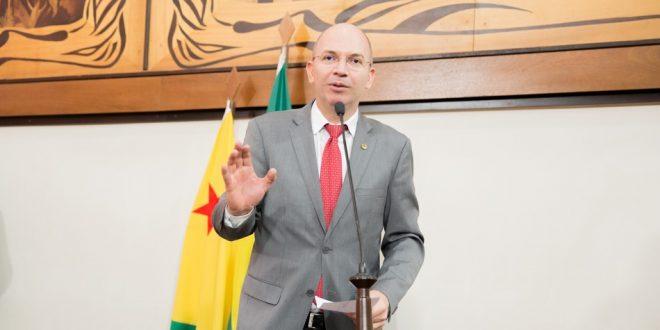 Deputado Gehlen Diniz defende aprovação de PL do Cartão do Bem