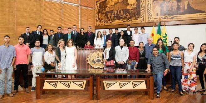 Jovens Parlamentares concluem mandato em sessão na Aleac