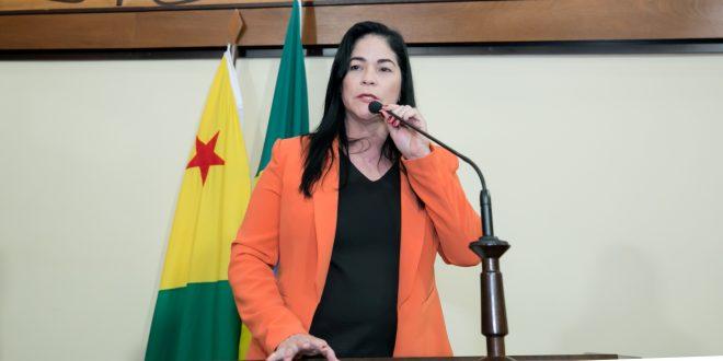 Deputada Antônia Sales relata peregrinação de moradora de Porto Walter que morreu por falta de atendimento médico