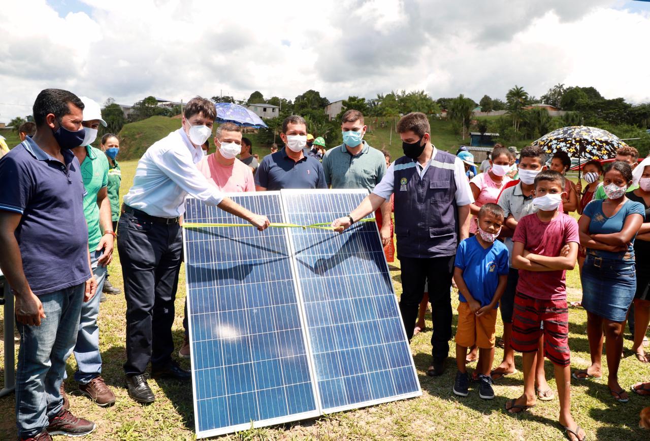 Presidente Nicolau Júnior participa do lançamento da primeira usina solar em reserva do Juruá