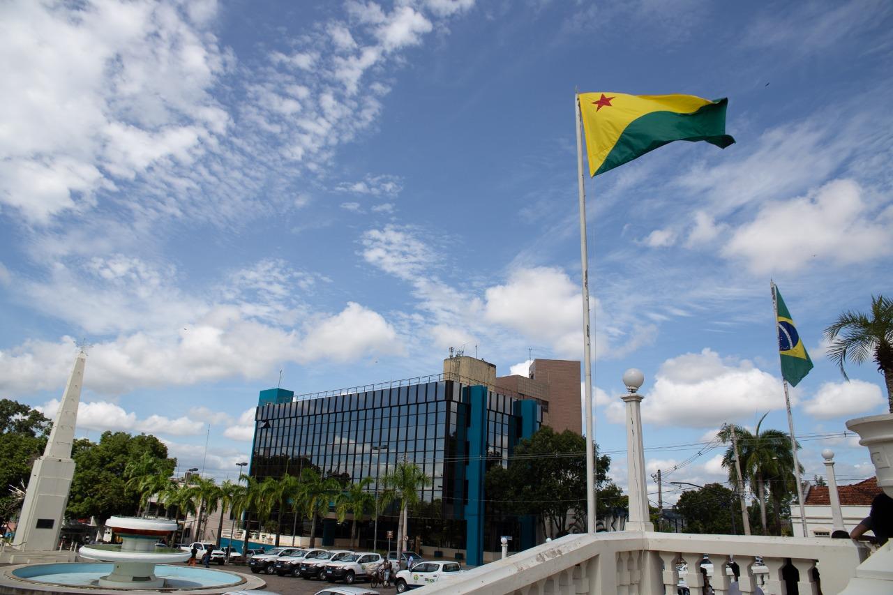 Deputados questionam procurador-geral do Estado sobre solução para atraso em pagamento de terceirizados