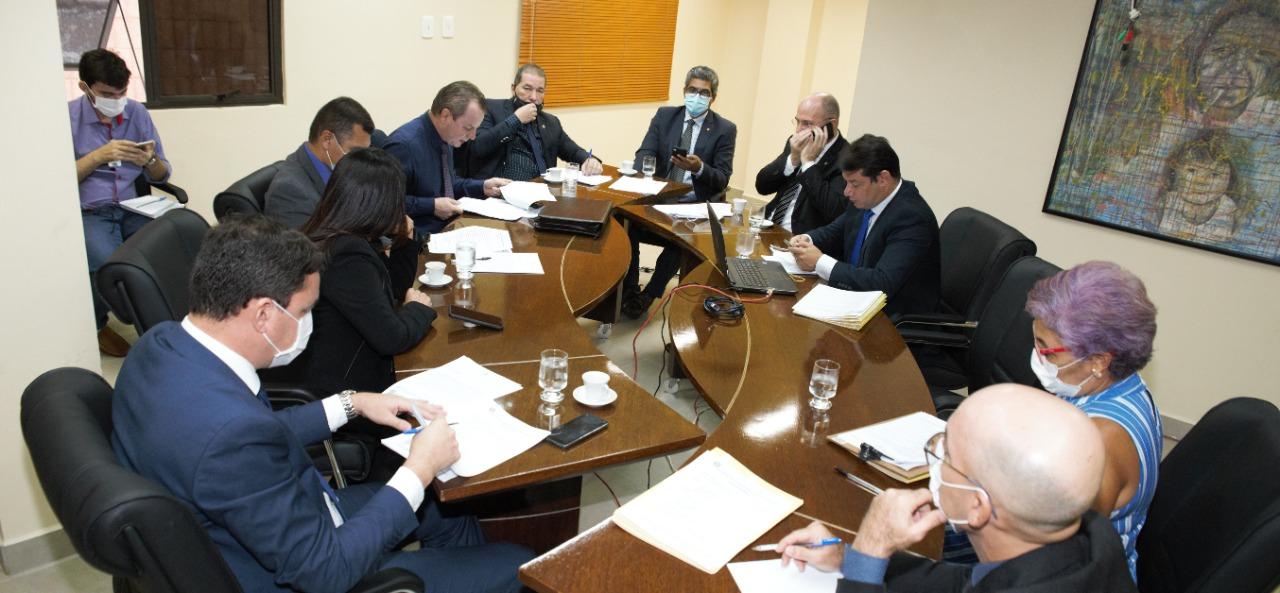 Em reunião conjunta, Comissões aprovam PL que torna obrigatória a distribuição de absorventes femininos nas escolas públicas