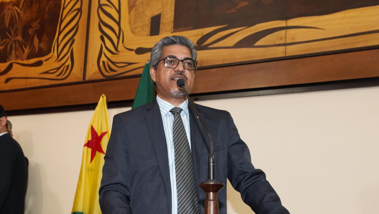 Deputado Edvaldo Magalhães propõe pacto com MP em defesa de marceneiros do Estado
