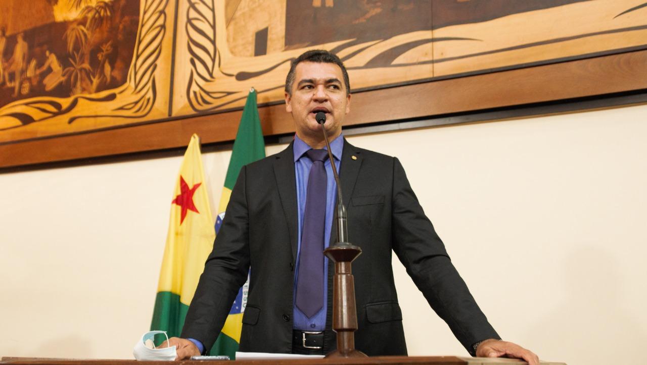 Deputado Cadmiel Bomfim diz que Feijó foi pouco contemplado com assinatura de obras do governo