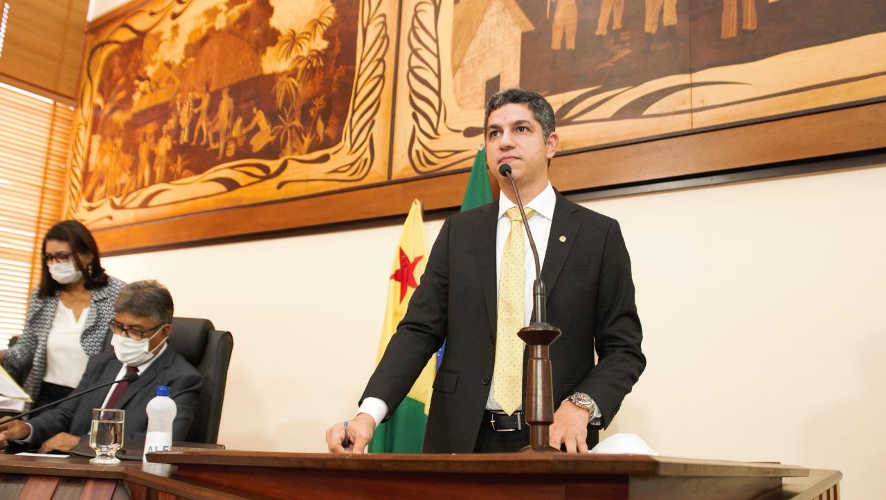 Deputado Fagner Calegário quer discussão acerca do processo de dispensa de licitação do governo