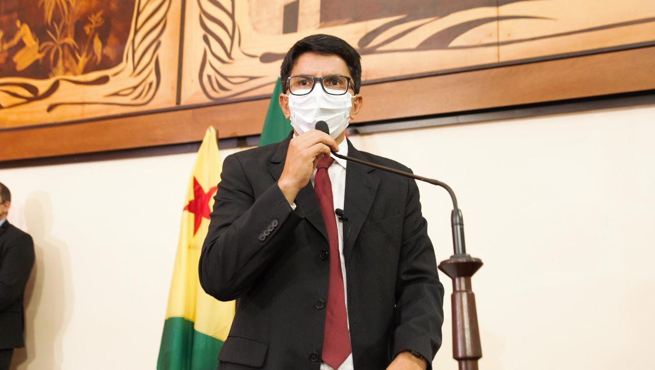 Jenilson Leite defende criação de programas que fortaleçam a cadeia produtiva do Acre