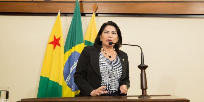 Deputada Antônia Sales comemora construção de sede para atender pessoas com autismo em Cruzeiro do Sul