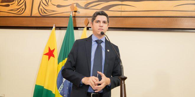 Deputado Fagner Calegário diz que SEE está desde janeiro sem pagar terceirizados