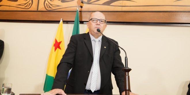 Deputado Jonas Lima destaca obras entregues em Mâncio Lima e pede mais ação do secretário da Sepa