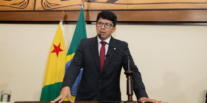 Jenilson Leite apresenta indicação sugerindo a redução do ICMS do combustível para municípios isolados