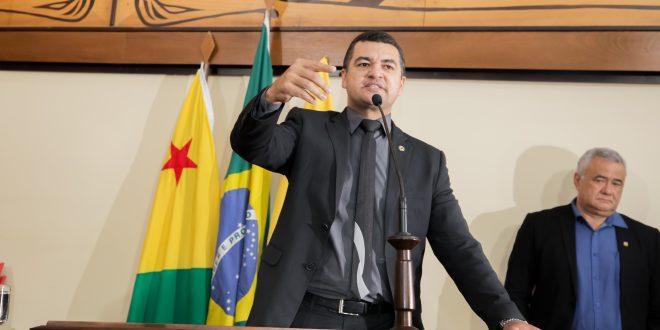 Cadmiel Bonfim volta a cobrar convocação imediata do cadastro de reserva da PM