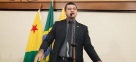 Cadmiel Bomfim diz que situação dos vigilantes da Secretaria de Saúde será resolvido