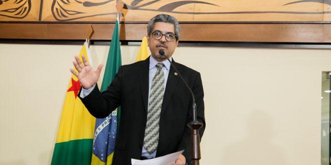 Deputado Edvaldo Magalhães faz menção ao golpe militar de 64 e diz que data deve ser lembrada para jamais se repetir