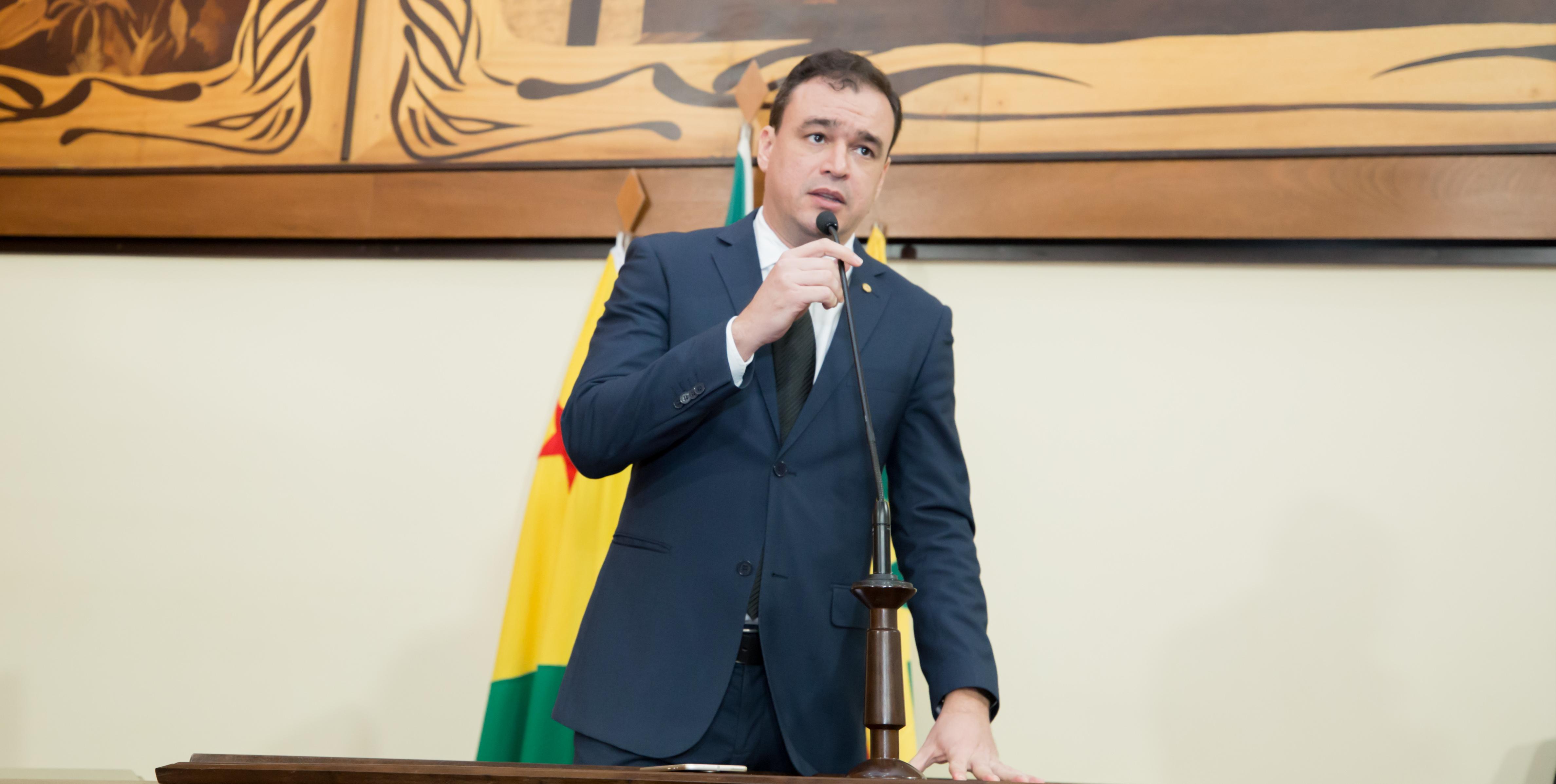 Deputado Daniel Zen cobra liberação de emendas parlamentares