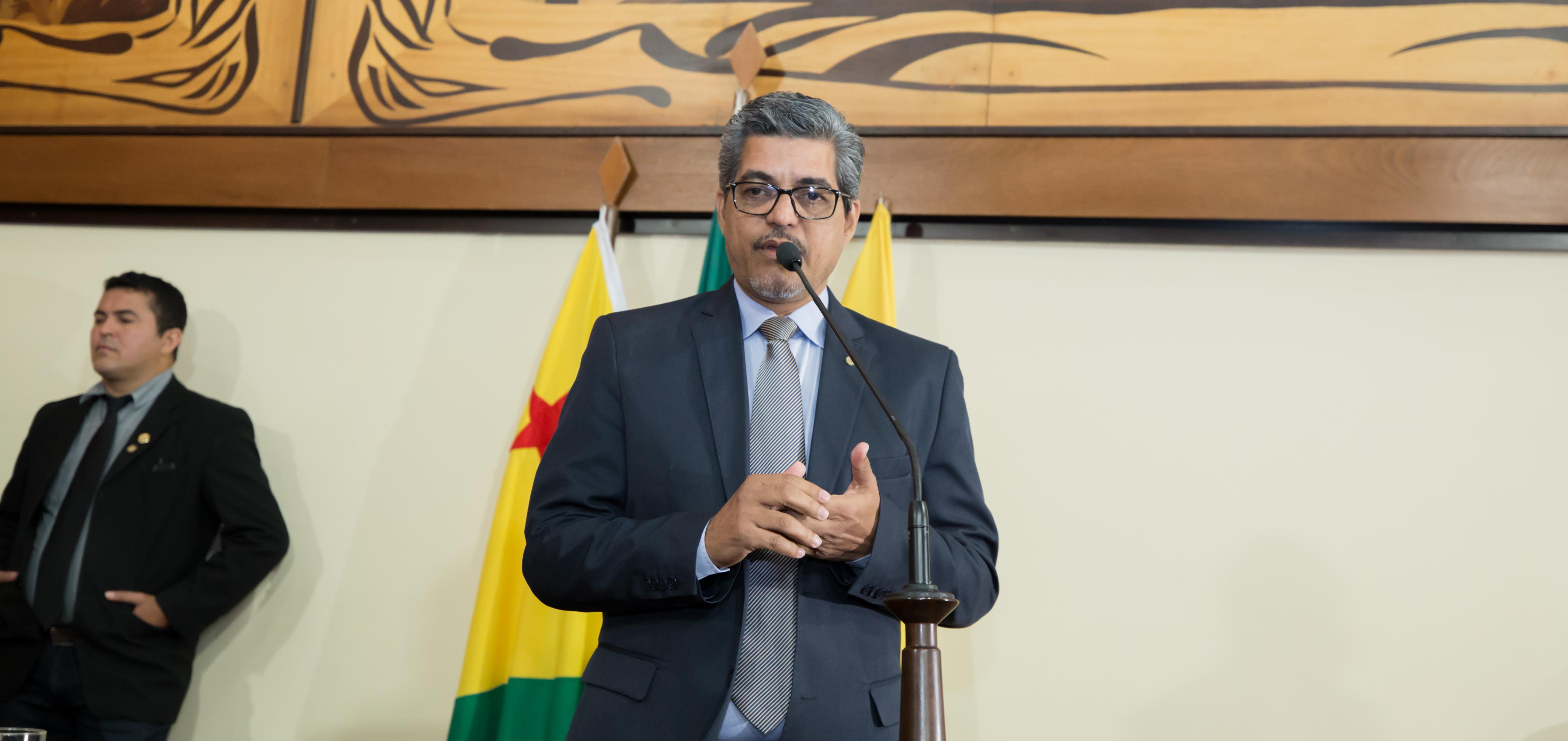 Edvaldo Magalhães pede que governo do Estado ampare ribeirinhos da região do Rio Môa