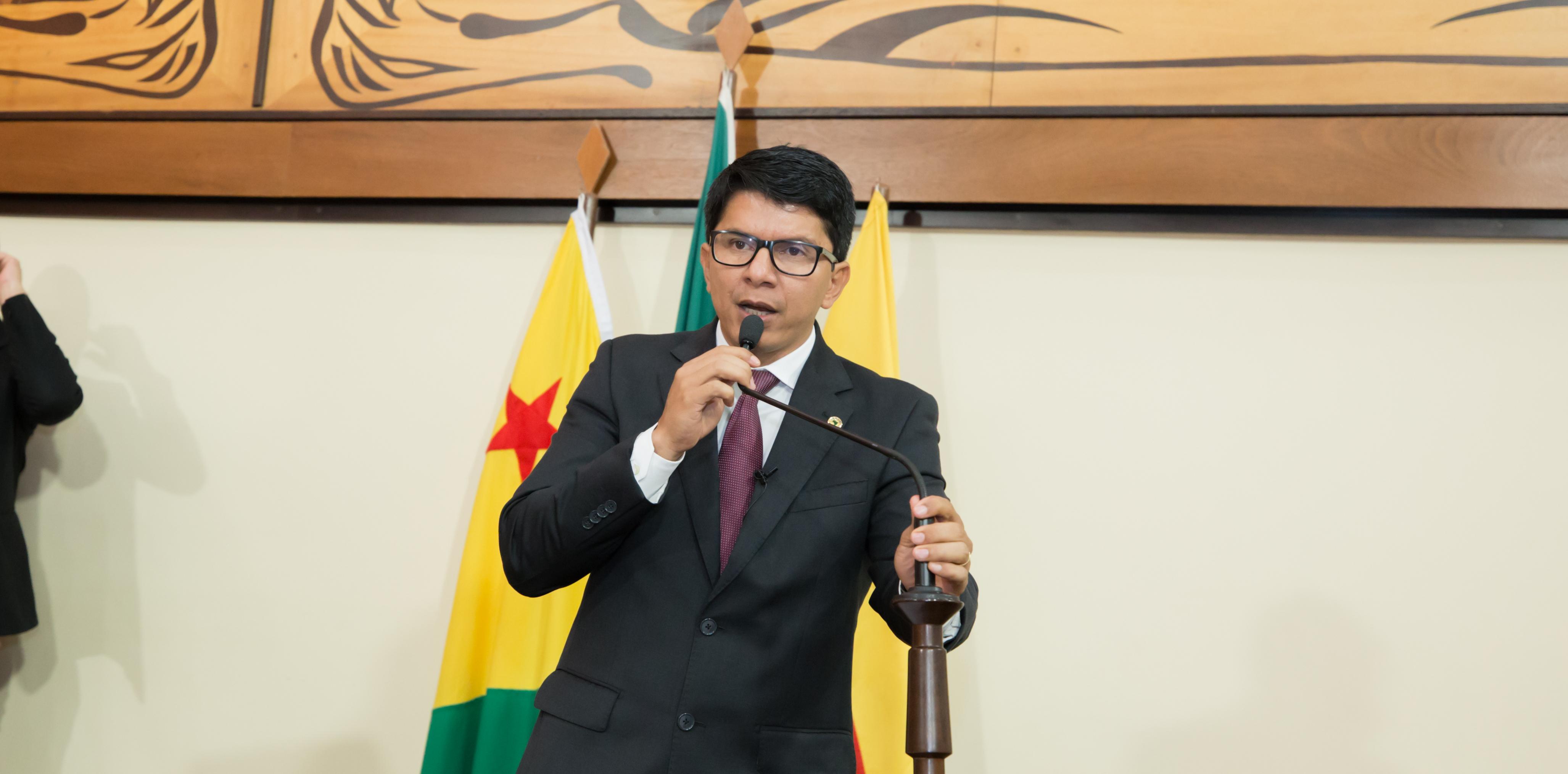 Deputado Jenilson Leite diz que governo não cumpre promessas de campanha