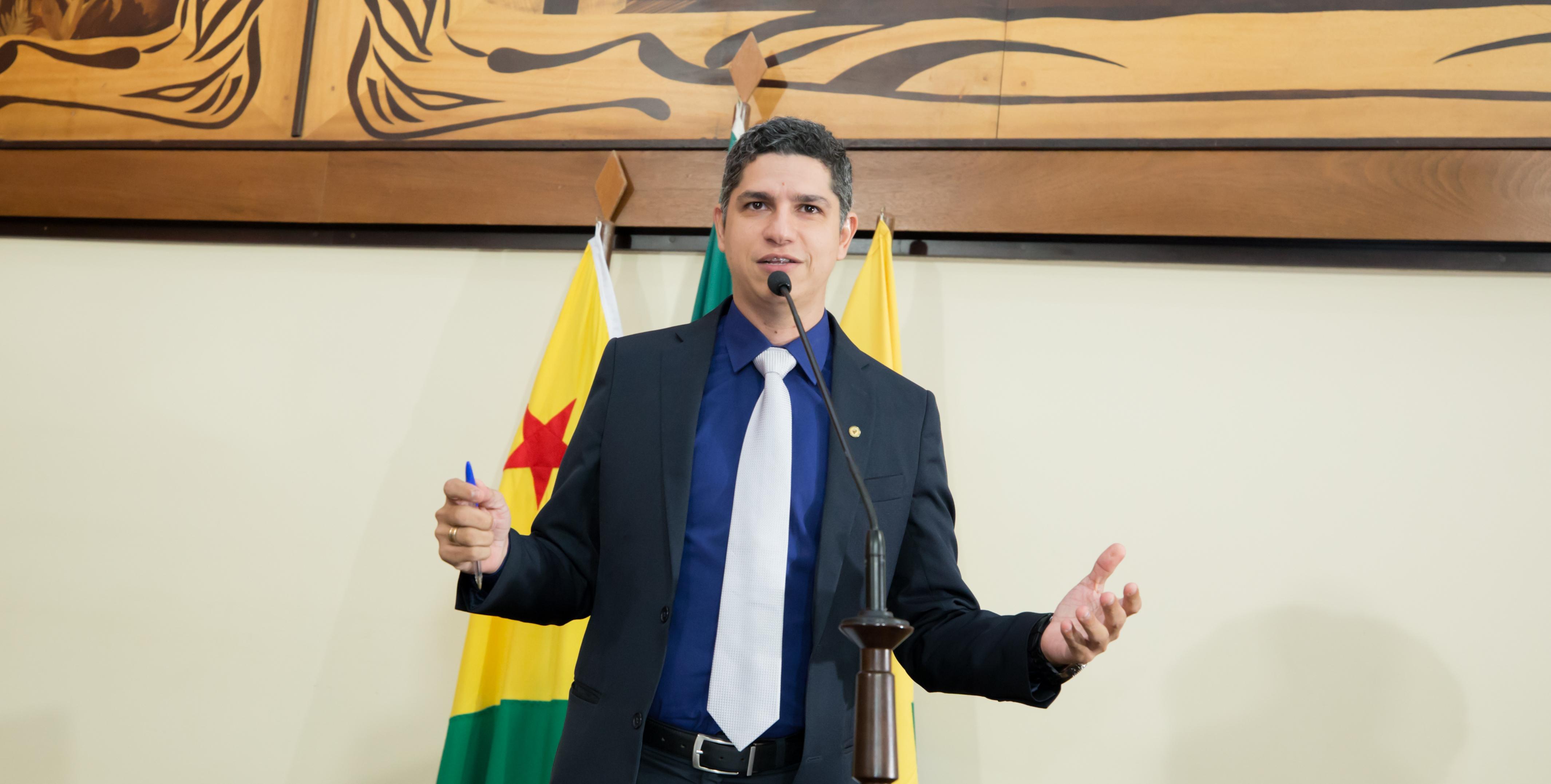 Deputado Fagner Calegário lamenta desencontro de informações acerca de imunização contra a Covid-19