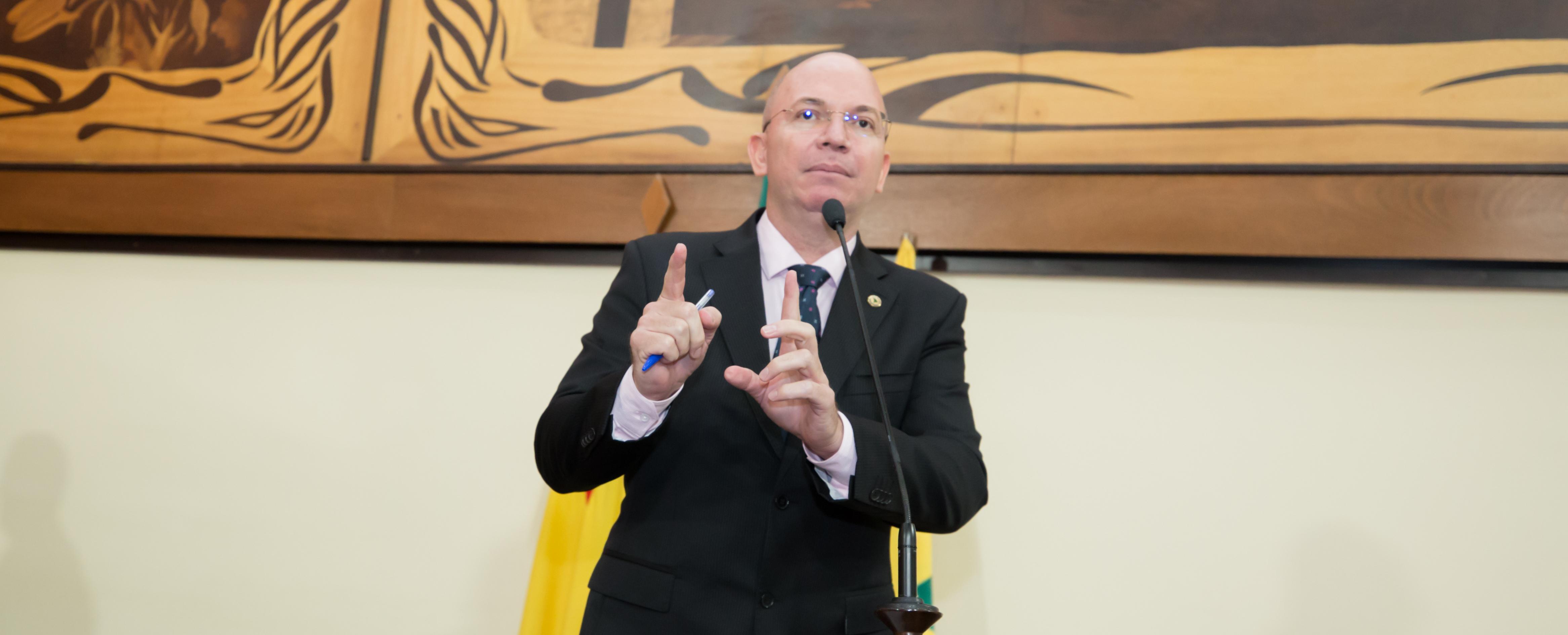 Deputado Gehlen Diniz quer aviso de corte de luz com 48h de antecedência