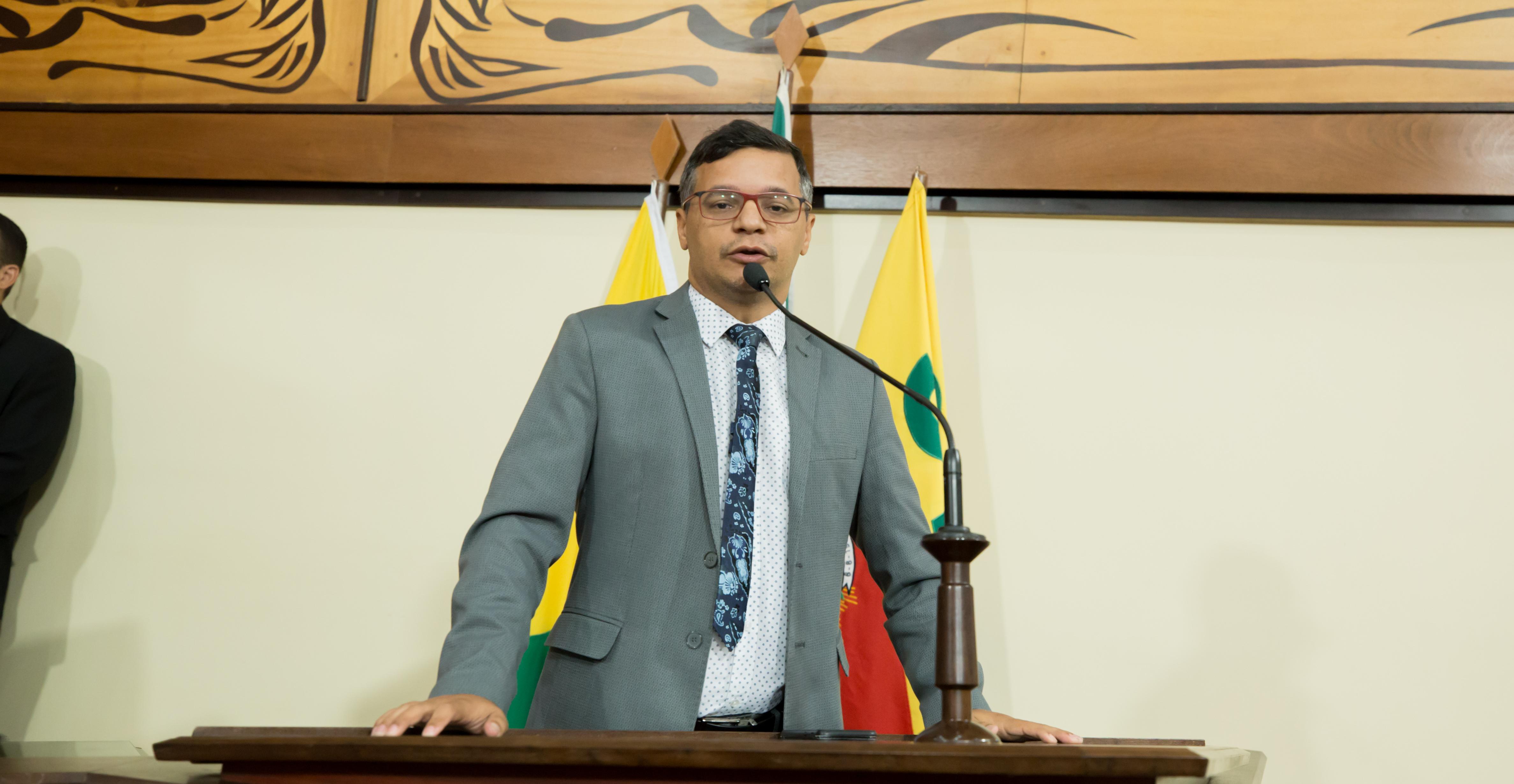 Deputado Wagner Felipe pede implantação de uma base da Cruz Vermelha no Estado