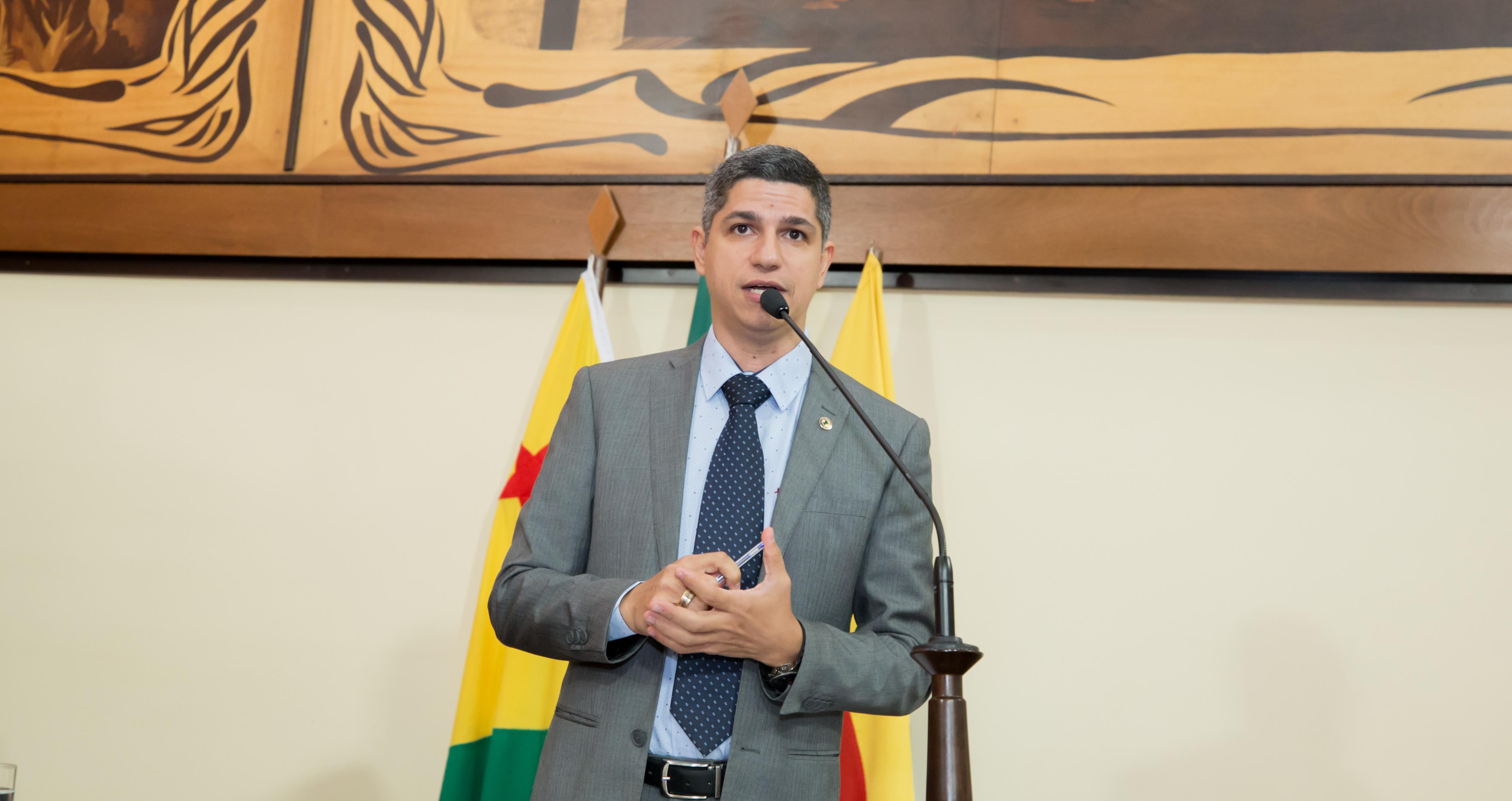 Deputado Fagner Calegário cobra mais transparência nas ações do governo