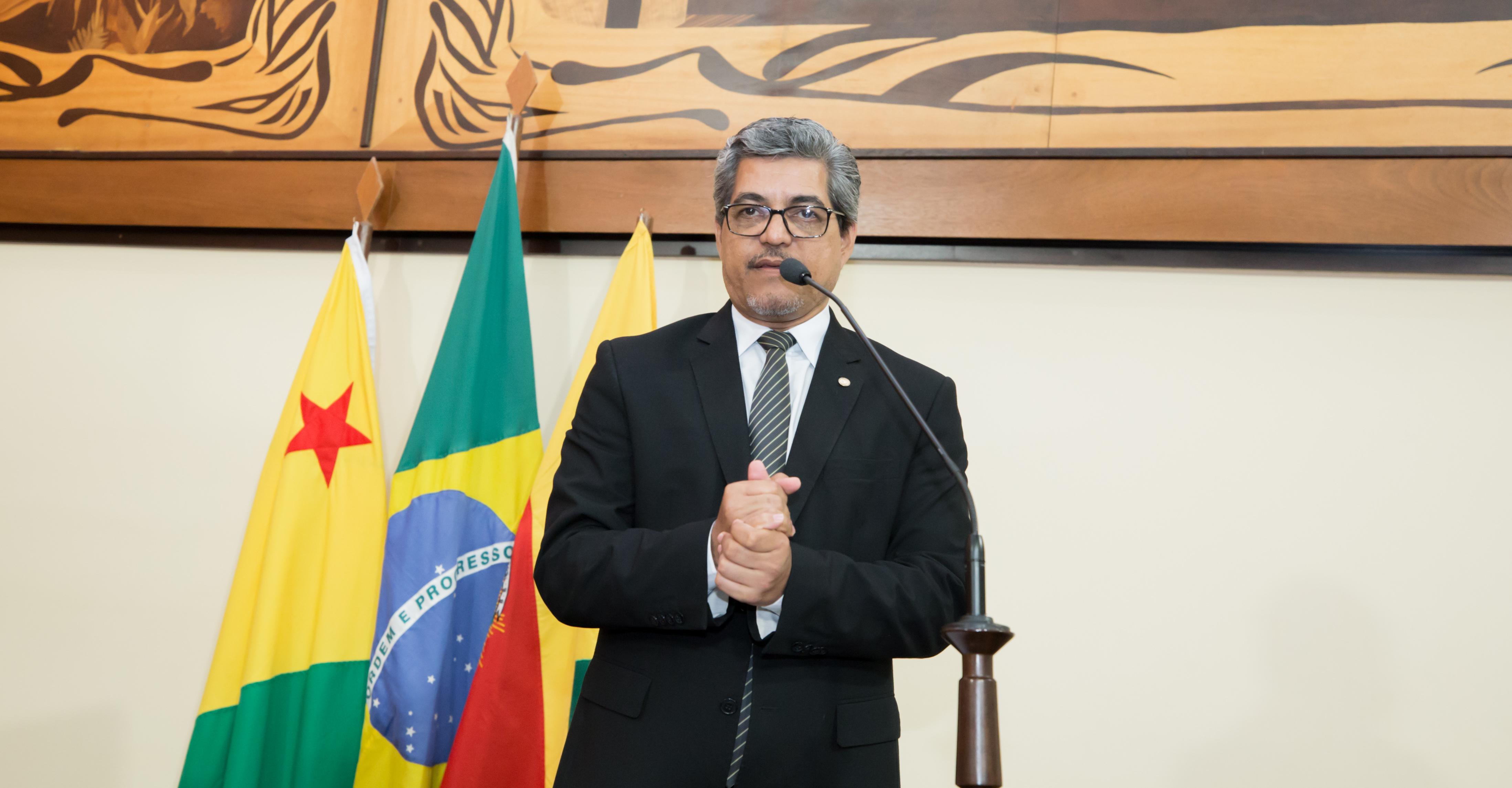 Deputado Edvaldo Magalhães parabeniza prefeitura de Cruzeiro do Sul por organização na vacinação contra a Covid-19