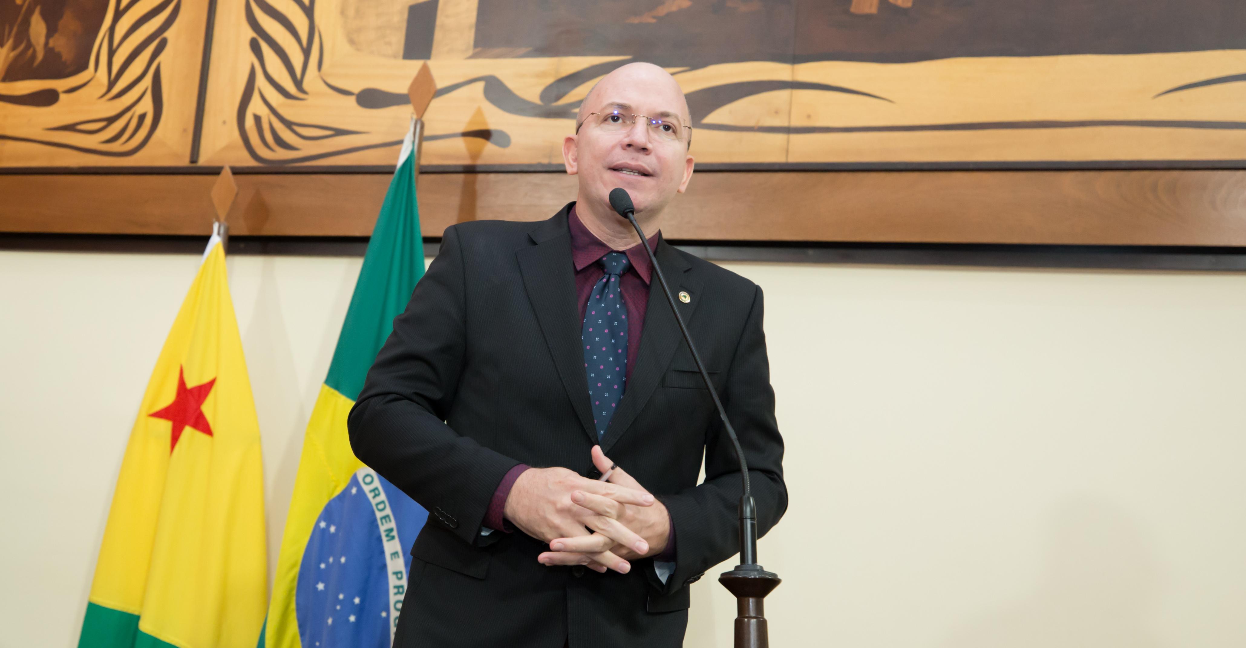 Deputado Gehlen Diniz apresenta Moção de Aplausos a 8° Batalhão da PM