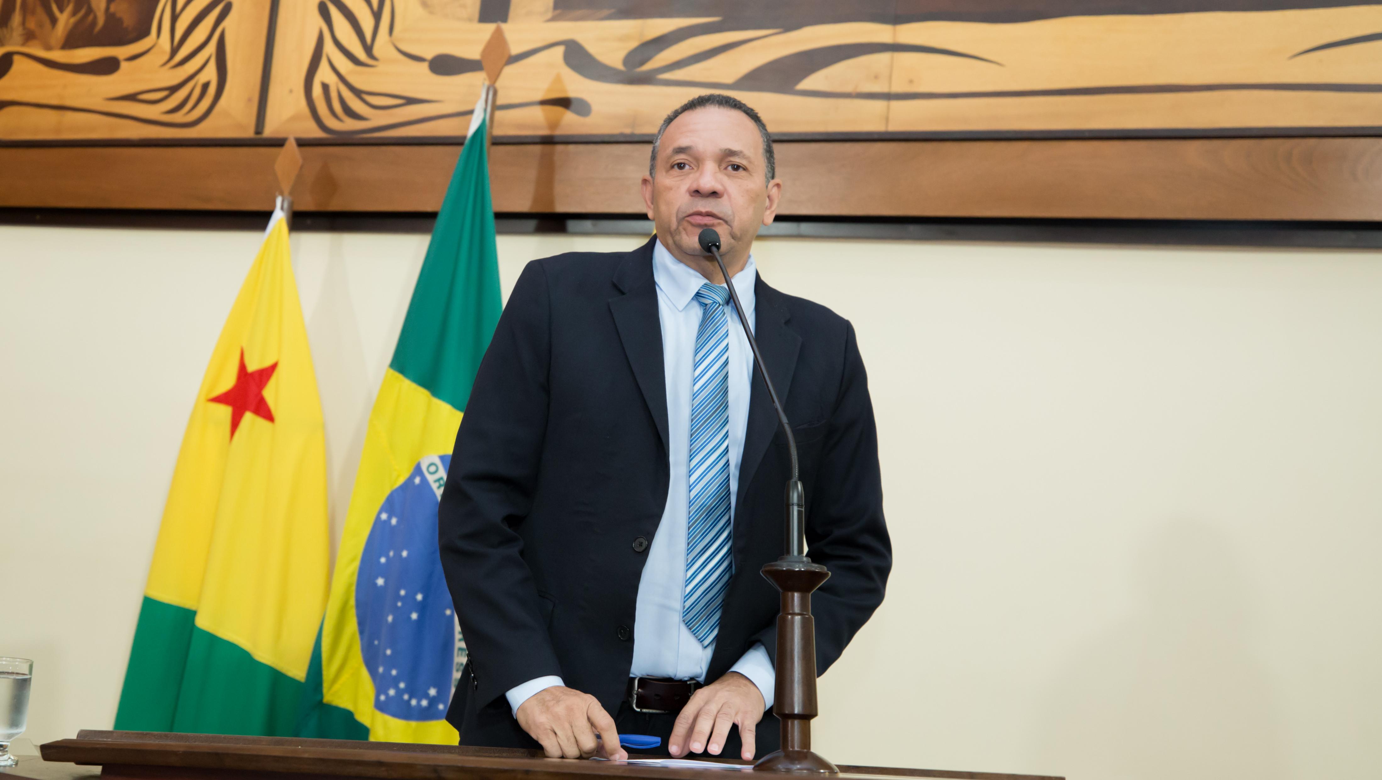 """Manoel Moraes comemora decisão de Fachin sobre condenações de Lula: """"Nosso país está mais leve"""""""