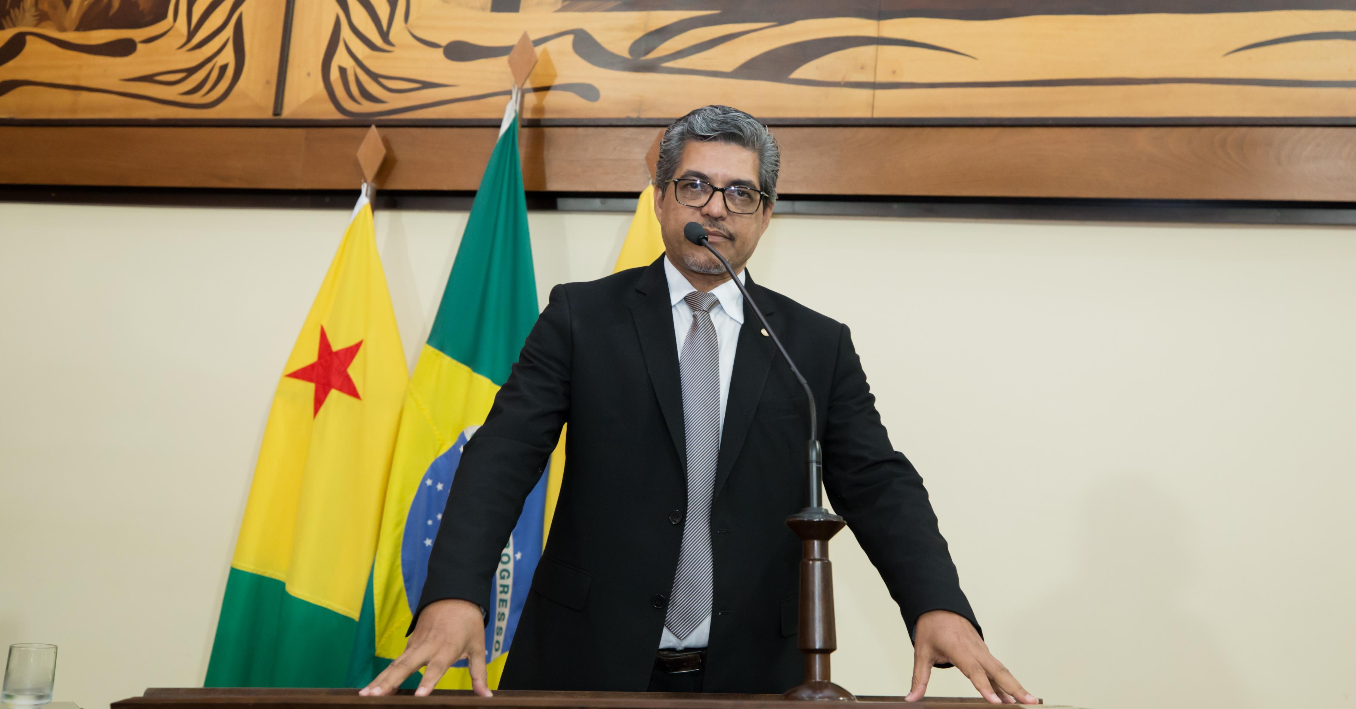 Deputado Edvaldo Magalhães destaca audiência pública para discutir projeto que prevê contratação de médicos formados no exterior