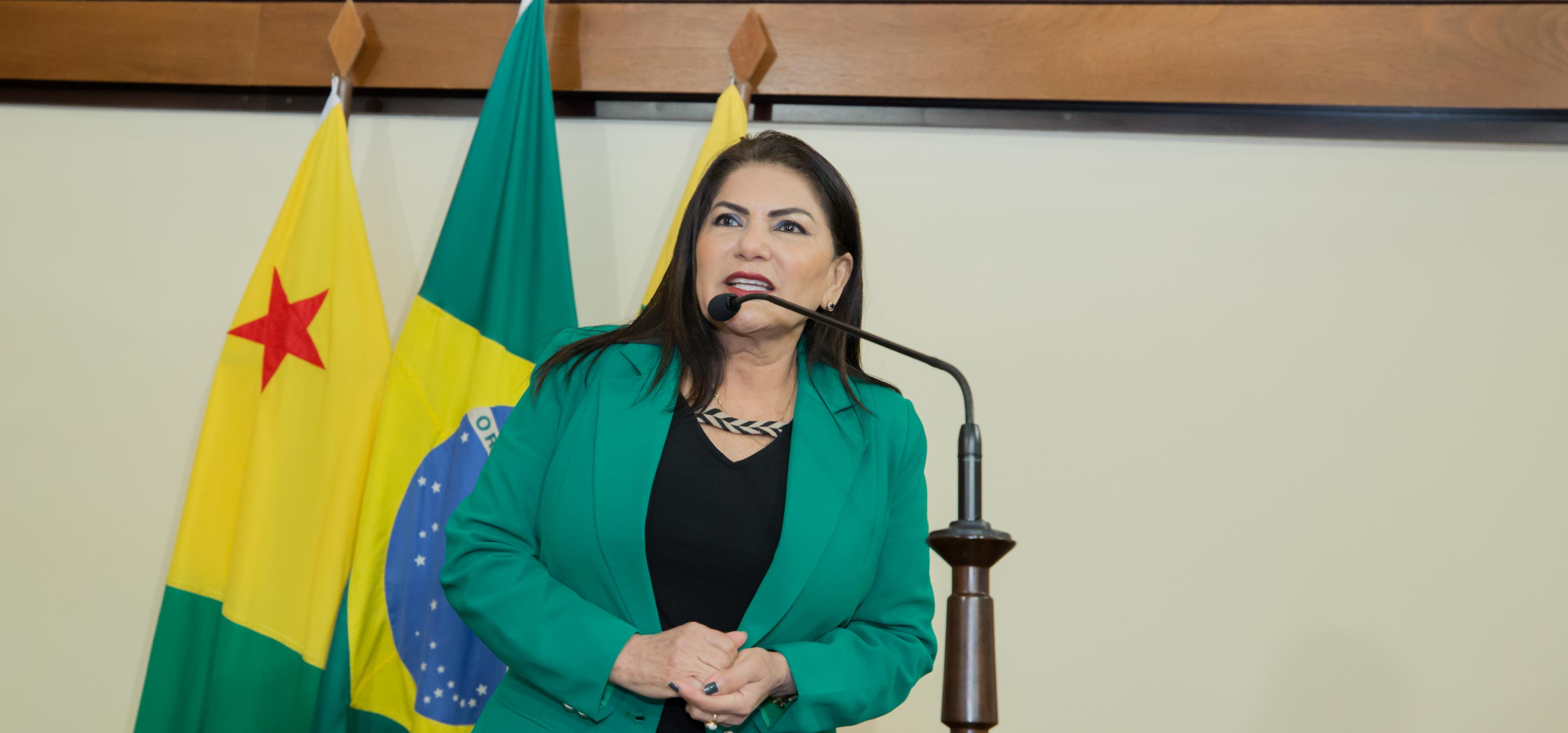Antonia Sales diz que desigualdade salarial na polícia precisa ser corrigida