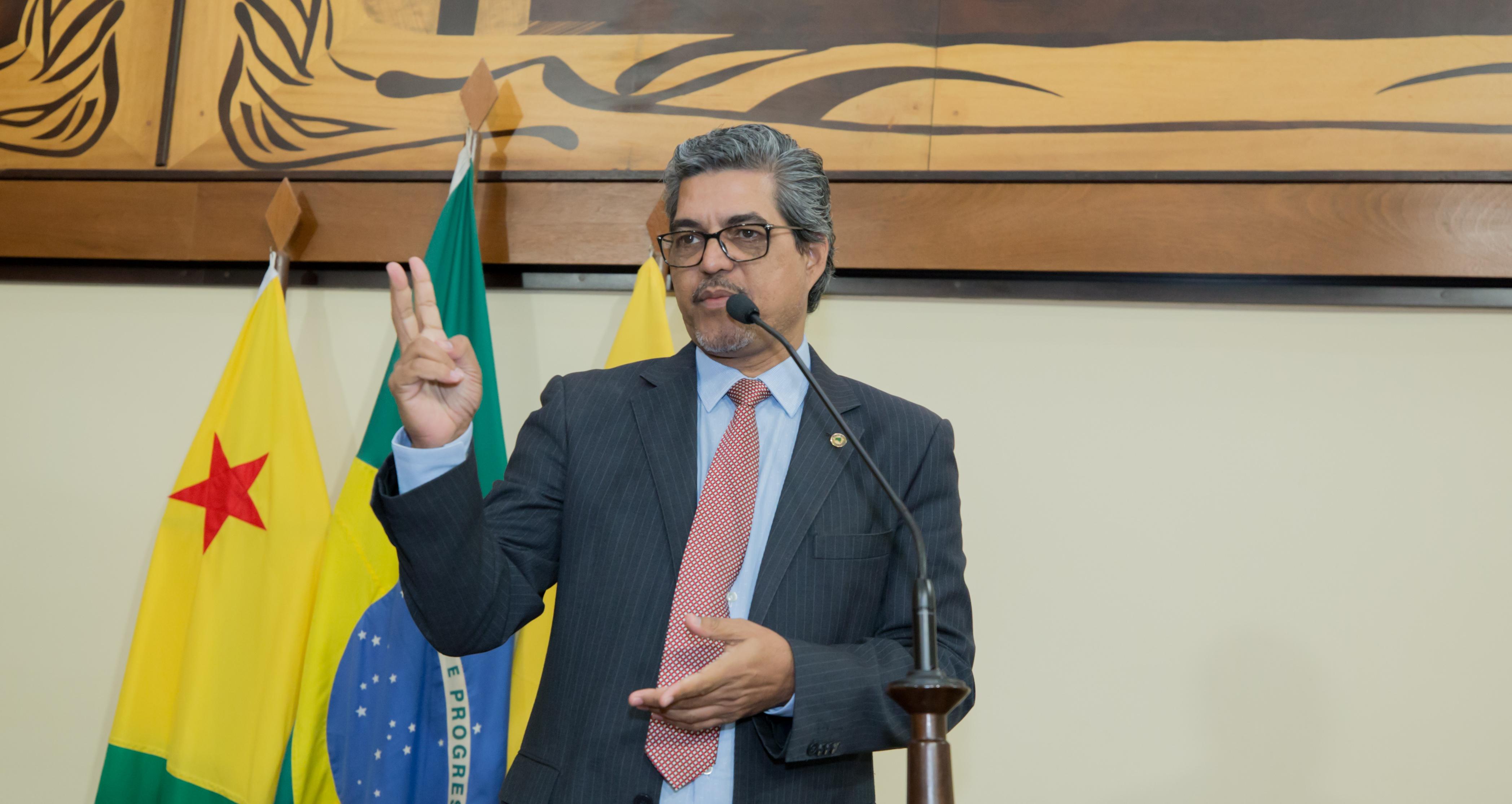 Deputado Edvaldo Magalhães diz que guerra no governo tem gerado desmonte de indicações