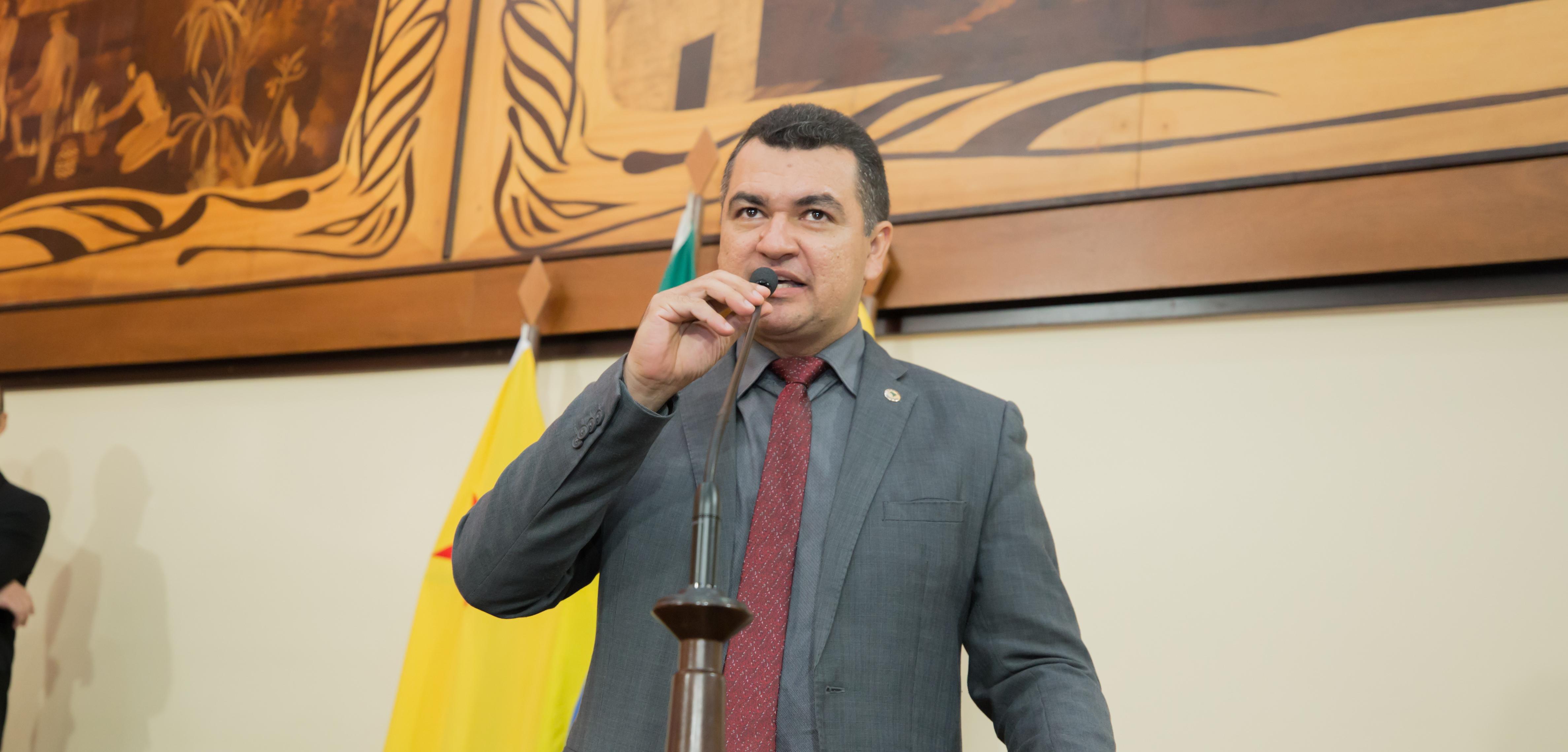 Deputado Cadmiel Bomfim pede que governador convoque cadastro de reserva para os Bombeiros