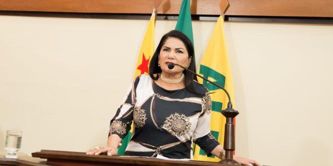 Deputada Antonia Sales cobra mais resultados de secretários de estado