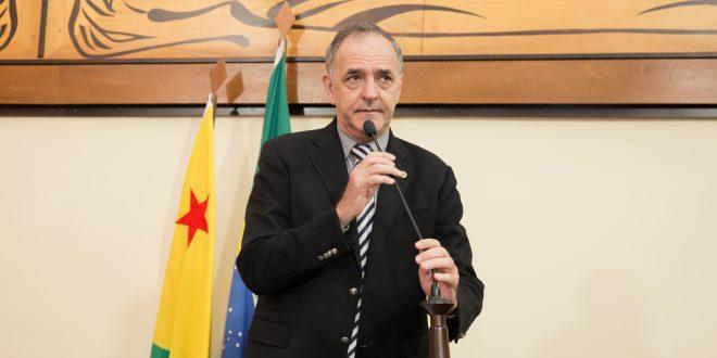 """Sobre demissão de ministro, Tchê afirma: """"Bolsonaro quer esconder os 315 mil mortos pela Covid-19"""""""