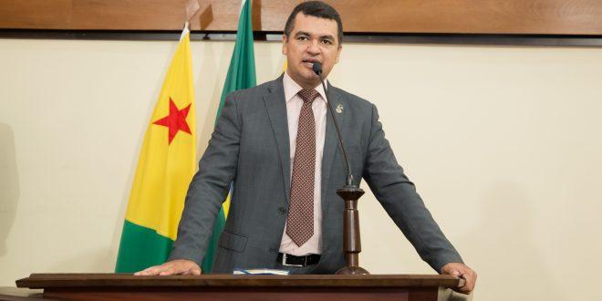 Deputado Cadmiel Bomfim pede remanejamento de cadastros de reserva da PM que não foram chamados para o Corpo de Bombeiros