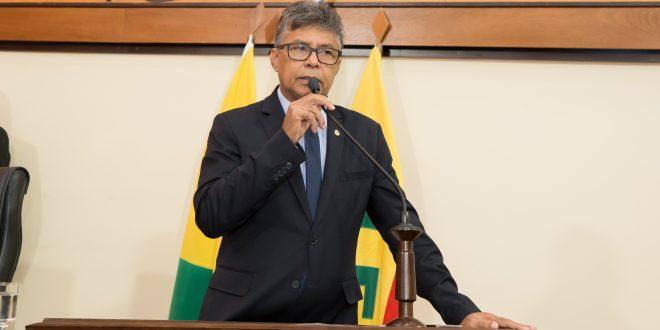 Antônio Pedro questiona fechamento de Unidade Básica de Saúde de Xapuri