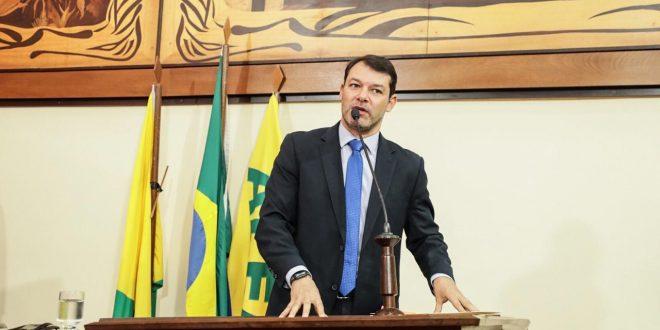 Deputado Roberto Duarte quer instalação de centro de referência para realização de exames de infectados pelo coronavírus