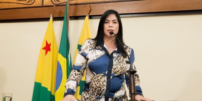 Maria Antônia se solidariza com famílias enlutadas de vítimas da Covid-19