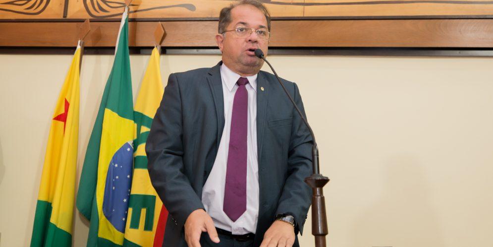 Marcus Cavalcante apresenta reivindicações da população de Porto Acre