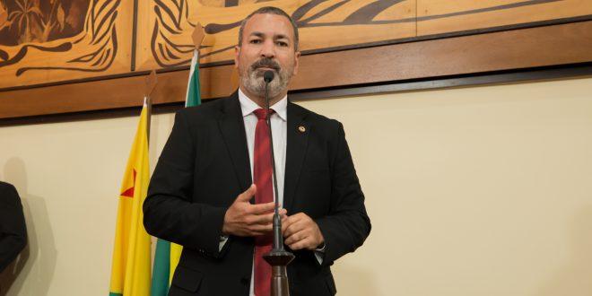 Neném Almeida destaca importância da convocação do cadastro de reserva da Polícia Civil