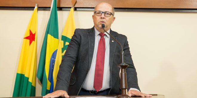 Deputado Jonas Lima pede que mandatários do Acre enviem documento ao Ministério da Saúde pedindo vacinação em massa
