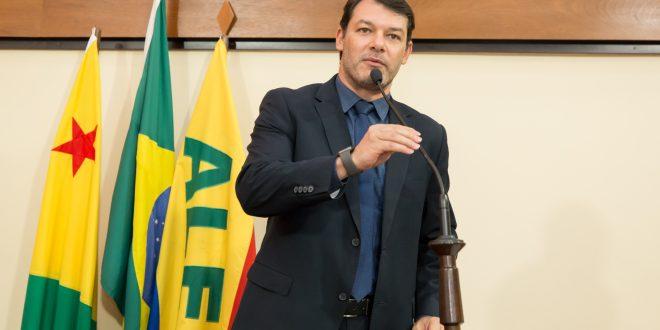 Roberto Duarte faz crítica ao governo do estado