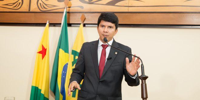 Deputado Jenilson Leite cobra renovação de convênio do governo com Souza Araújo