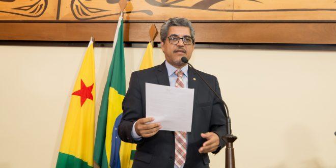 Edvaldo Magalhães apresenta decreto que visa sustar incentivo às grandes companhias aéreas